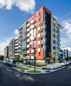fibre-cement-ceramapanel-apartment-block